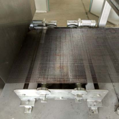 Wire Mesh Cleaning Device